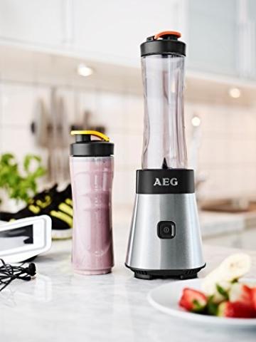 AEG SB2500 Standmixer (300 Watt, Vier-Klingen-Edelstahlmesser) inkl. 2x 0,6 Liter BPA-freie Trinkflaschen Grau -