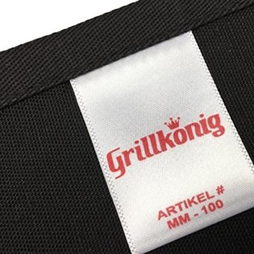 Hier kocht der Chef persoenlich - Kochschuerze, Grillschuerze mit verstellbarem Nackenband und Seitentasche (Schwarz) -